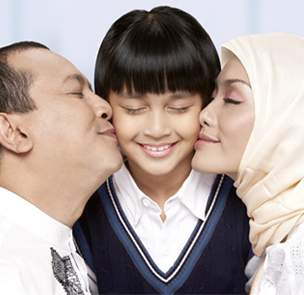 bapak-anak-ibu-asuransi-allianz-syariah