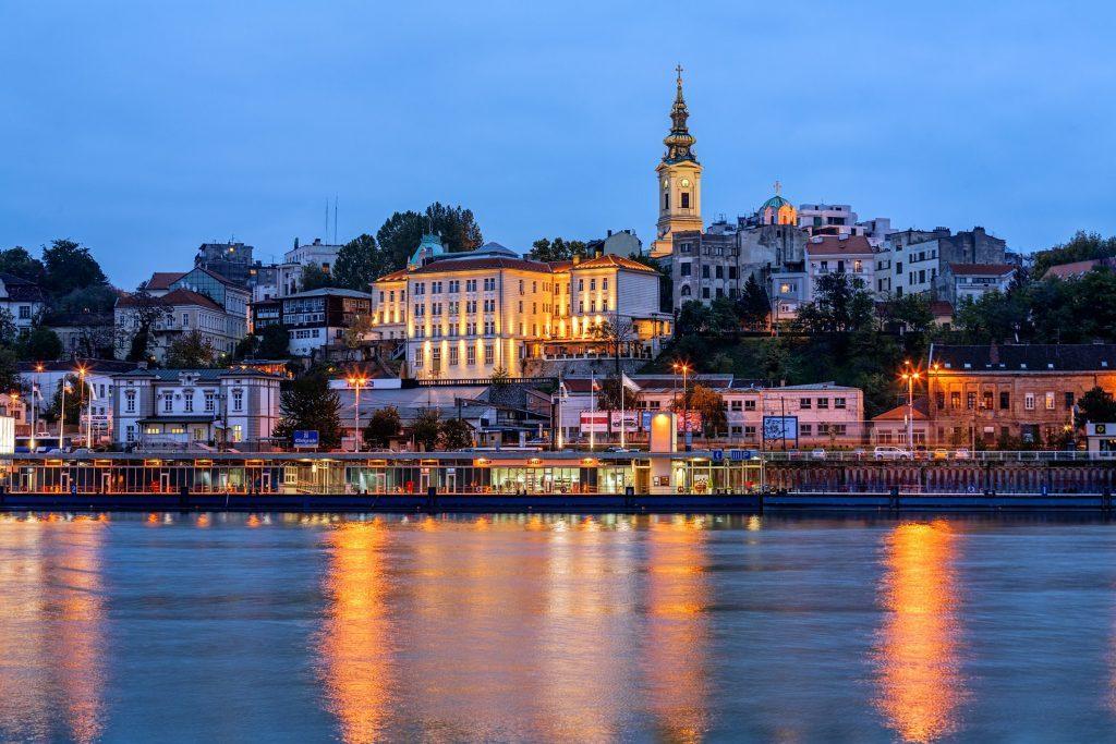 Melancong ke Serbia