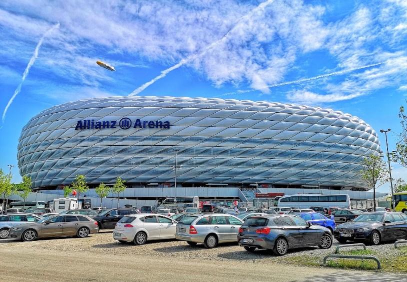 fasilitas allianz arena
